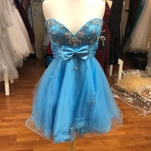 Prom dress sky blue with rhinestones
